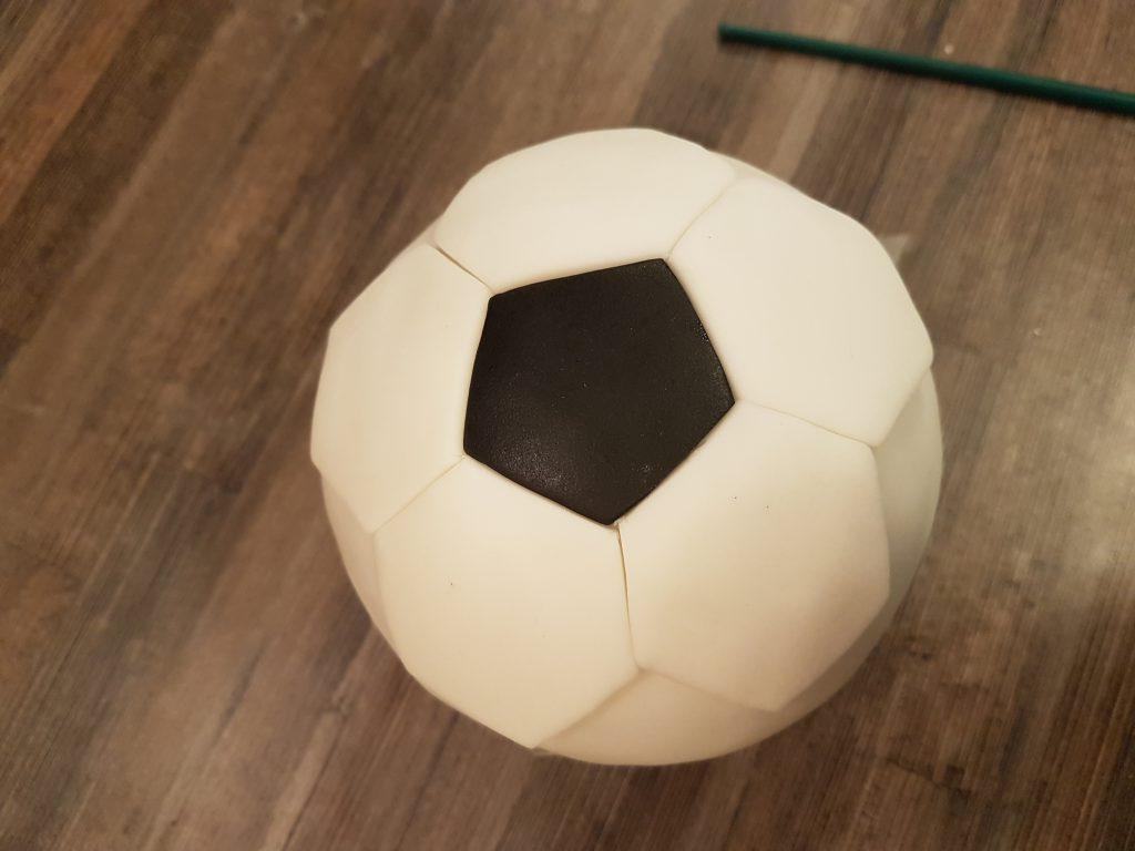 fussball ecken kleben