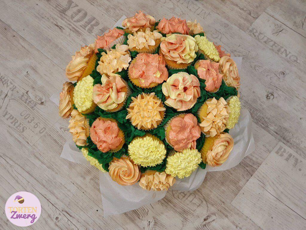 Cupcakes Blumenstrauß fertig